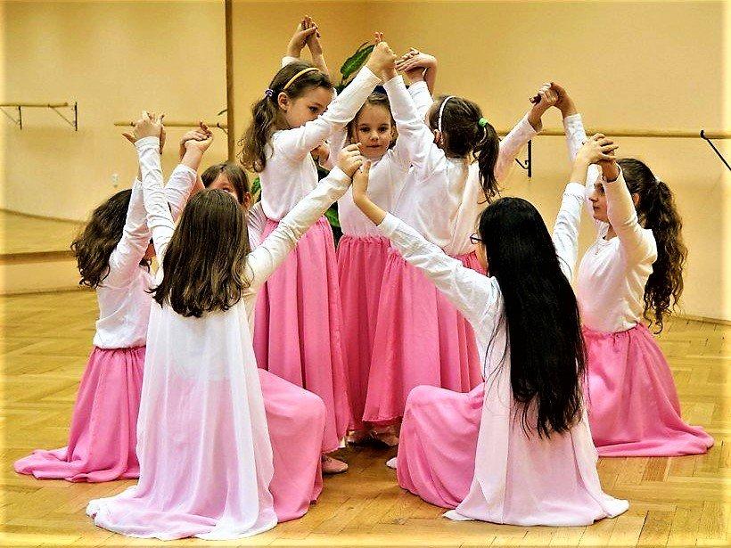 Baletní a scénický tanec - mladší